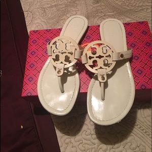 New condition tory Burch sandals